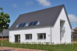 moderne Huizen door Architektenbüro Lorenzen, Freischaffende Architekten BDA