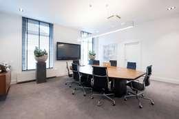 Rotam vastgoed: moderne Studeerkamer/kantoor door Mood Interieur