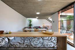 Projekty,  Kuchnia zaprojektowane przez rOOtstudio