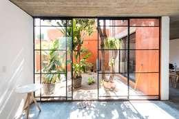 minimalistic Garden by rOOtstudio