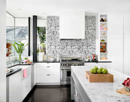 Palma Plaza Residence: modern Kitchen by Hugh Jefferson Randolph Architects