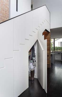Couloir et hall d'entrée de style  par Hugh Jefferson Randolph Architects