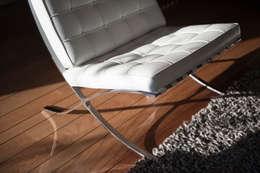 Interieuradvies en levering van meubilair en verlichting: moderne Woonkamer door Mood Interieur