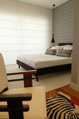 CASA MM   MM HOUSE: Quartos  por Sandro Clemes