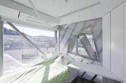 modern Bedroom by IROJE KIMHYOMAN