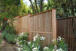 modern Garden by Braun & Würfele - Holz im Garten