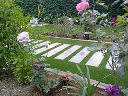 Jardines de estilo mediterraneo por Ceramistas s.a.u.