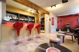 Salas multimedias de estilo  por Canexel