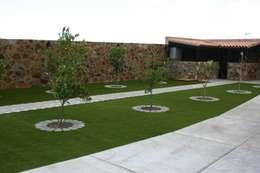 Jardines de estilo clásico por Ceramistas s.a.u.