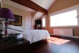 Dormitorios de estilo clásico por Canexel