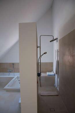 ห้องน้ำ by arieltecture Gesellschaft von Architekten mbH BDA