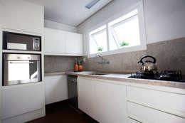 Cocinas de estilo minimalista por Tweedie+Pasquali
