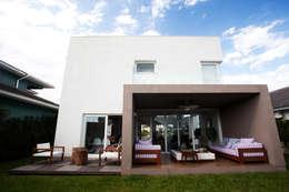Casas de estilo minimalista por Tweedie+Pasquali