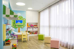 Carolina Burin Arquitetura Ltda: modern tarz Çocuk Odası