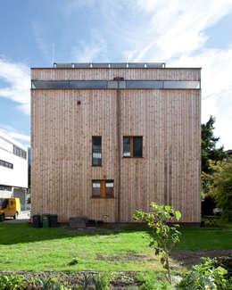 Transformation zum Zweiparteienhaus: moderne Häuser von Architekt Daniel Fügenschuh ZT GMBH