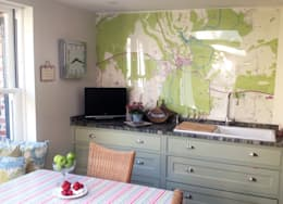 Bespoke Map Wallpaper Kitchen Splashback Design: modern Kitchen by Wallpapered