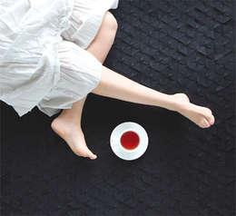 Tapete COLMENA 1.50 x 1.50 (m): Hogar de estilo  por Déjate Querer