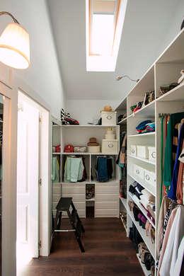Closets de estilo  por Canexel