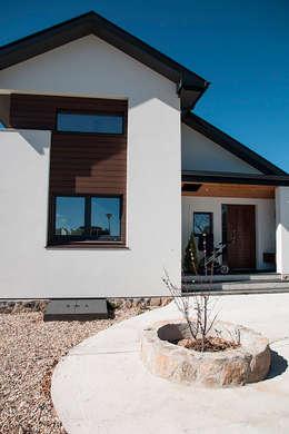 Casas de estilo moderno por Canexel