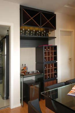 24 minibares en repisas que caben toda casa peque a for Repisas espacios pequenos