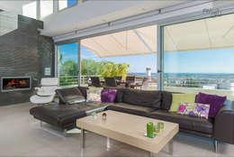 Salas de estilo minimalista por Hansen Properties