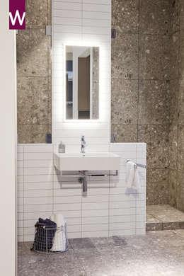 Natuurlijke badkamer door vtwonen: rustieke & brocante Badkamer door Van Wanrooij keuken, badkamer & tegel warenhuys