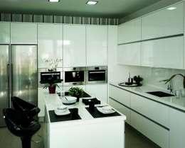 Casa en Valdebebas (Madrid): Cocina de estilo  de GRUPO COECO