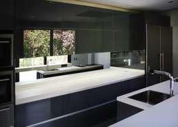 Casa en La Moraleja (Madrid): Cocina de estilo  de GRUPO COECO
