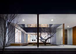 Jardines de estilo ecléctico de 有島忠男設計工房