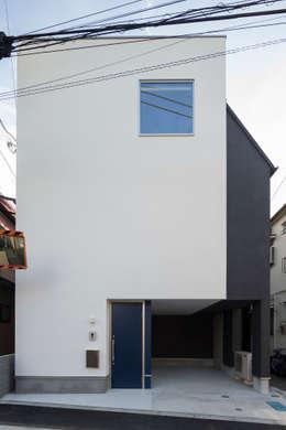 Rumah by 株式会社 建築集団フリー 上村健太郎
