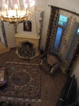 Загородный дом: Гостиная в . Автор – Leonid Voronin Architect