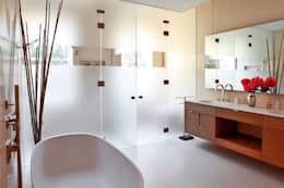 modern Bathroom by Turett Collaborative Architects