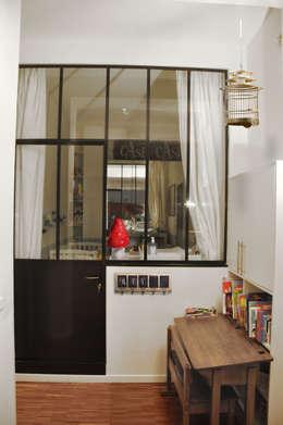 Loft 10ème: Cuisine de style de style eclectique par STUDIO SANDRA HELLMANN