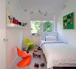 modern Nursery/kid's room by TG Studio