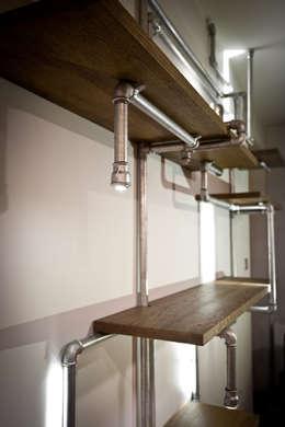 Instalacja w stylu New York: styl , w kategorii Salon zaprojektowany przez Meble Gdańskie - Zbigniew Żurawski
