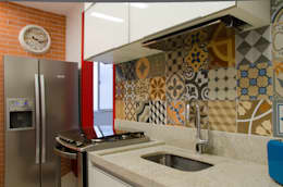 Cocinas de estilo clásico por Paula Werneck Arquitetura