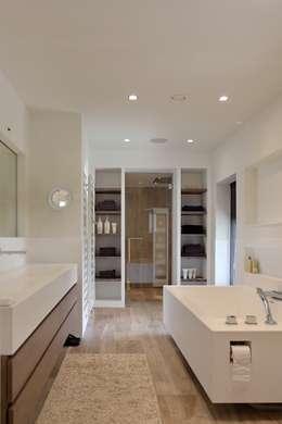 Opbergruimte in de badkamer, inspirerende ideeën