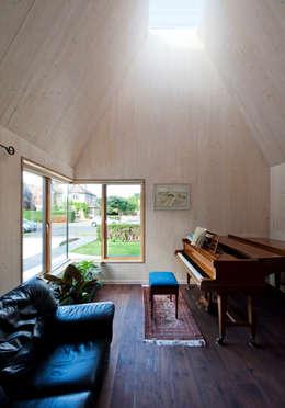 Projekty,  Salon zaprojektowane przez Mole Architects