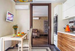 Уютная квартира в теплых  тонах: Кухня в . Автор – Ольга Макарова (Экодизайн)