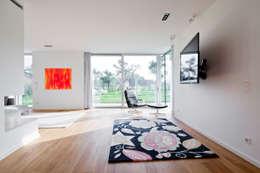 Projekty,  Salon zaprojektowane przez Corneille Uedingslohmann Architekten