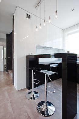 Apartament Orange : styl , w kategorii Kuchnia zaprojektowany przez KLIFF DESIGN