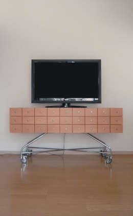 Shinobu Koizumi Design Office: eklektik tarz tarz Oturma Odası
