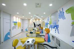 JinJu Junior Dental Clinic: (주)유이디자인의  병원