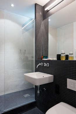 minimalistic Bathroom by paola bagna