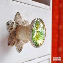 PAISLEY GREEN Möbelknopf: landhausstil Wohnzimmer von Shabbyflair