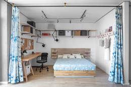 Проект однокомнатной квартиры-студии  40 м² : Спальни в . Автор – SAZONOVA group