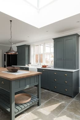 country Kitchen by Floors of Stone Ltd