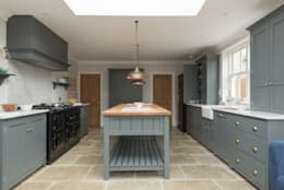 Cocinas de estilo rural por Floors of Stone Ltd