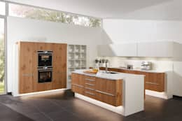 Zeyko: moderne Küche von Darivas Küchen und Raumdesign