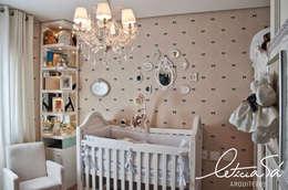 Chambre d'enfant de style de style Classique par Leticia Sá Arquitetos
